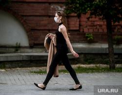 Екатеринбург во время пандемии коронавируса , эпидемия, covid19, девушка в маске, коронавирус, пандемия коронавируса