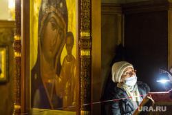 Ночное пасхальное богослужение в Кафедральном соборе. Магнитогорск, икона, церковь, оградительная лента