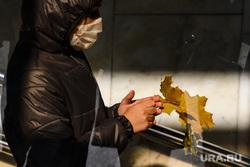 Масочный режим в екатеринбургском метрополитене. Екатеринбург, осень, маска на лицо, масочный режим
