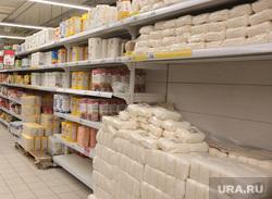 Магазин Ашан в Перми ассортимент товаров, сахар, ашан, полки магазина