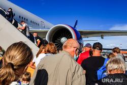 Перелет Хабаровск-Москва, Шереметьево. Москва, аэропорт, путешествия, авиация, шереметьево, отдых, пассажиры, туристы, посадка в самолет, трап самолета, терминал B, терминал б, пассажтры