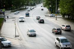 Виды Тюмени. Тюмень , машины, автомобили, улица республики, весна, май