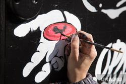 Процесс рисования граффити С изображением Макса Фадеева. г. Курган, граффити
