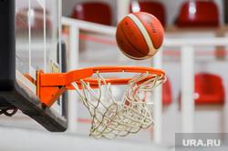Тренировка баскетбольной команды Челбаскет. Челябинск, баскетбол, тренировка, корзина, мяч, гол, спорт, игра