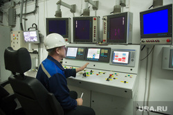 ВСМПО Ависма. Верхняя Салда, рабочее место, пульт управления станка, промышленное предприятие, всмпо ависма