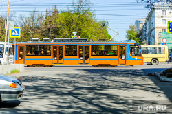 Город в преддверии празднования Дня Победы. Челябинск, новый трамвай