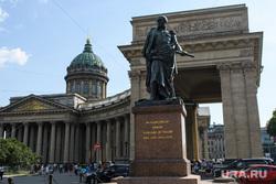 Виды Санкт-Петербурга. Санкт-Петербург, казанский собор, памятник барклаю де толли, город санкт-петербург, петербург