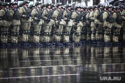 Памятные мероприятия в Пскове ко дню 20-ти летия подвига 6 роты 104 гвардейского парашютно-десантного полка. Псков, вдв, десантники, десант, армия, военные, солдаты, марш, плац, военнослужащие, парад, строй, смотр строя