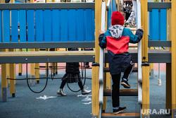 Торжественное открытие после реконструкции сквера на проспекте Орджоникидзе. Екатеринбург, ребенок, детская площадка, сквер на проспекте орджоникидзе, сквер проспект орджоникидзе