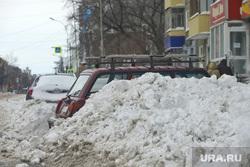 Последствия снегопада. Курган , снег, последствия снегопада, последствия урагана, машина в снегу, зима, зима круган