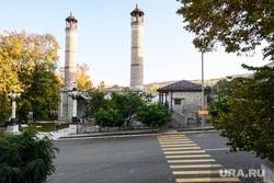 Город Шуши после обстрелов ВС Азербайджана. Нагорный Карабах, город шуши, иранская мечеть, верхняя мечеть гевхар-аги