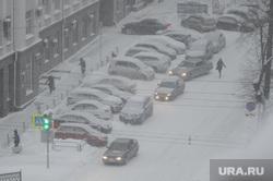 Снегопад. Челябинск, зима, машины в снегу, снегопад, парковка, буран, метель, климат, погода