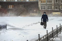 Снегопад. Челябинск, снег, пешеход, зима, буран, ветер, метель, снегопад