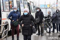 Некрасовский рынок. Курган, автобусная остановка, автобус, пассажир, масочный режим
