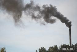 Мост через реку Сысерть. Свердловская область, поселок Луч, котельная, дым из трубы, кочегарка