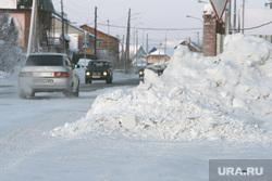 Снег в городе, Салехард, сугроб на дороге