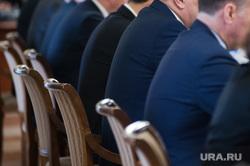 Рабочая поездка полномочного представителя Президента РФ в Уральском федеральном округе Николая Цуканова и губернатора Свердловской области Евгения Куйвашева в Нижний Тагил. Свердловская область, чиновники, совещание, заседание, пиджаки, политики