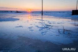 Поселок Новоянгелька. (Агаповский район). Челябинская область, зима, лед, деревенская жизнь, замерзшая вода