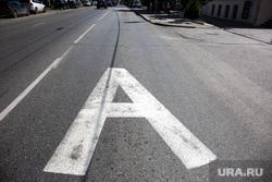Выделенная полоса для общественного транспорта мешает ресторанному бизнесу. Екатеринбург, выделенная полоса, автобус