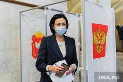 Наталья Котова на избирательном участке. Челябинск, котова наталья