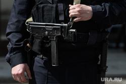 Пятьдесят четвертый день вынужденных выходных из-за ситуации с распространением коронавирусной инфекции CoVID-19. Екатеринбург, оружие, табельное оружие, пистолет пулемет кедр, пистолет-пулемет, пп-91 кедр