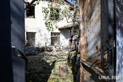 Последствия ночного обстрела Степанакерта. Нагорный Карабах, частный дом, частный сектор, последствия обстрела