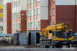 Клипарт. Магнитогорск, подъемный кран, туалет, новостройка, стройка, многоквартирный дом, стройплощадка