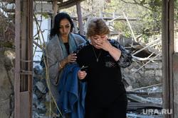 Последствия ночного обстрела Степанакерта. Нагорный Карабах, мирные люди, частный дом, частный сектор, последствия обстрела, гражданское население