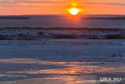 Поселок Новоянгелька. (Агаповский район). Челябинская область, зима, солнце, закат, вечер, степь