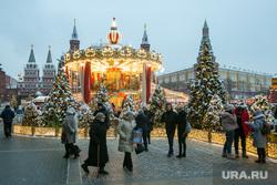 Новогодняя Москва. Москва, новогодняя елка, город москва, кремль, новый год, иллюминация, манежная площадь, манежка, карусель