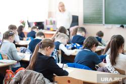 Учебная пожарная эвакуация в школах Екатеринбурга, учебный класс, урок, класс, дети, школа, школьники, образование, школьное образование