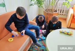 Визит врио губернатора Шумкова в Притобольный  район. Курган, дети, детская комната, дети играют, игрушки