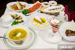 Новое меню «Ирландского дворика». Екатеринбург, накрытый стол, угощение, блюдо, много еды, еда
