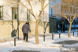 Спальные районы и жители города. Тюмень., снег, зима, снег в городе, пенсионеры, жк европейский, жилой комплекс европейский