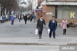 Подборка фотографий в период самоизоляции 28.04.20 в Перми, пешеходы, улица ленина пермь