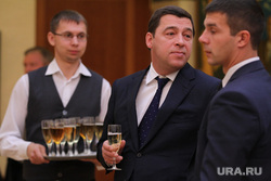 Зубков и Куйвашев Соглашение по развитию рынка газомоторного топлива. Екатеринбург, куйвашев евгений, бокал с вином