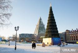 Город зимой. Ханты-Мансийск, новогодняя елка, новый год