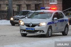 Снегопад. Пробки. Челябинск, полицейская машина, погоня, полиция, проблесковый маячок, тревога, маячок