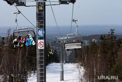 Горнолыжный комплекс «Гора Белая». Свердловская область, горнолыжный комплекс, семья, зимние виды спорта, подъемник, горнолыжный курорт, зимний отдых, активный отдых, подъемник горнолыжный
