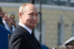 Торжественная церемония празднования Дня ВМФ на Сенатской площади. Санкт-Петербург, путин владимир