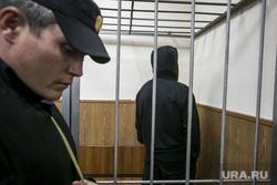 Криминальный авторитет Олег Шишканов на судебном заседании по избранию ему меры пресечения Басманным районным судом г. Москвы. Москва, подследственный, полицейские, решетка, заключенный, скамья подсудимых, судебный пристав, подсудимый, арестант, вор в законе, конвой, шишканов олег, шишкан
