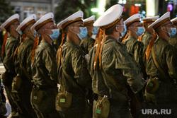 Репетиция парада Победы на Площади 1905 года. Екатеринбург, военные, медицинская маска, моряки, репетиция парада
