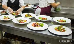 Клипарт. Магнитогорск, продукты, повара, салаты, ресторан, еда, защитные маски, готовка еды