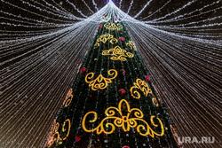 Новогоднее оформление. Тюмень, елка, новогодние украшения, новогодняя елка, с новым годом, гирлянды, новый год, новогоднее оформление, иллюминация, новогодняя иллюминация