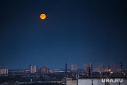 Первая экскурсия на Белую Башню после консервации. Екатеринбург, луна, ночь
