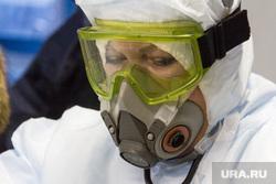 Отработка учений в магнитогорском аэропорту и горбольнице №1 по лихорадке Эбола, защитный костюм, противогаз