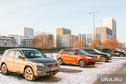 Спальные районы и жители города. Тюмень., снег, зима, снег в городе, автомобили, парковка