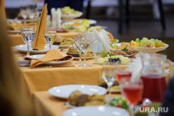 Празднование дня рождения Дома журналистов. Екатеринбург, накрытый стол, банкет, застолье, пища, еда, праздник