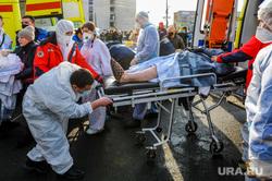 Последствия взрыва кислородной станции в госпитале на базе ГКБ№2. Челябинск, пострадавший, врачи, эвакуация больных, медики, доктор