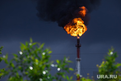Клипарт. Сургут , топливо, пламя, энергетика, попутный газ, огонь, природа, выбросы, атмосфера, экология, факел нефтяной